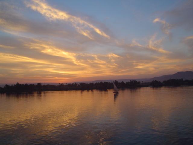 Atardecer en el Nilo 2003